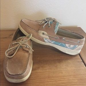 SPERRY'S woman's size 7 shoe